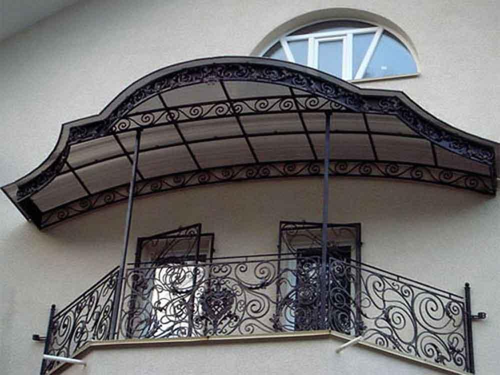 Навес на балконе цены..